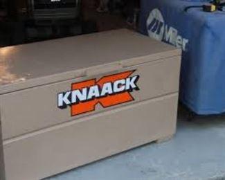 knaackBOX