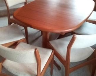 0010 MidCentury Teak Dining Room Table and Chairs
