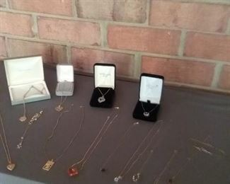 19 Assortment of Ladies Beautiful Gold and Silver Necklaces