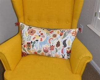 pair of yellow chairs can be bought seperate
