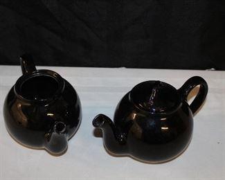 Lipton's tea pots