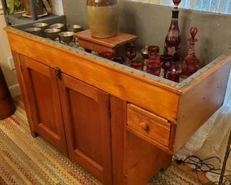 All original,  beautiful 1800s Dry Sink,  heart pine