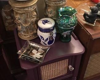 Vintage radio and decor