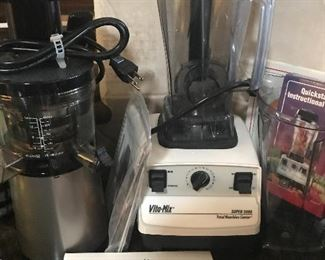 Hurom juicer and Vitamix