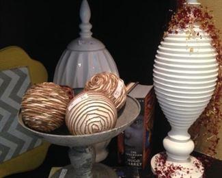 Decorations for shelves