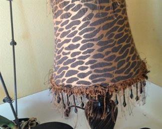 Leopard shade lamp