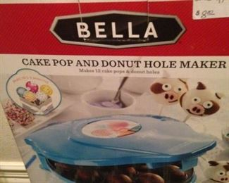 Cake Pop and Donut Hole Maker by Bella