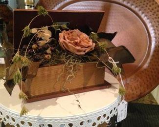 Darling cake plate