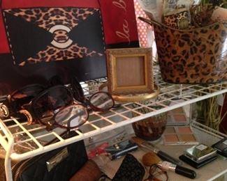 Leopard art; leopard planter; readers