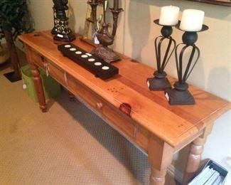 Sofa table/narrow desk