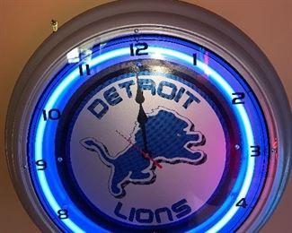 """DETROIT LIONS NEON CLOCK 18"""""""
