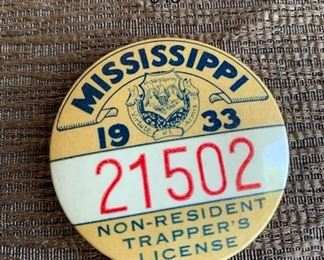 1930'S MISSISSIPPI STATE TRAPPING LICENSE PINBACK BUTTON BADGE