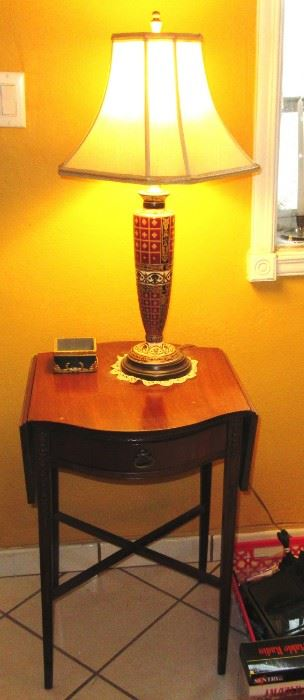 toledo small table with lamp