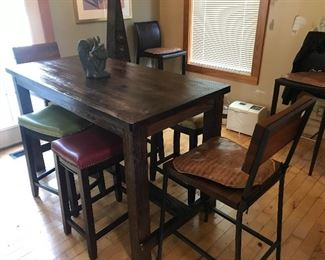 Beautiful high kitchen table w/stools/chairs