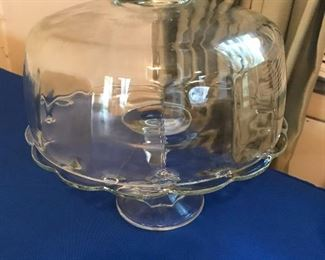 Glass cake stand w/cover