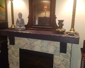 Electric fireplace, pair of table lamps, Eastlake period mirror, & other décor