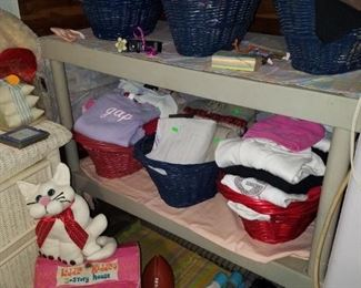 Liddle Kiddles 3 story house, children's clothing and toys