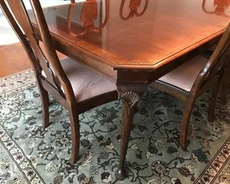 Pennsylvania House Dining Table & Chairs