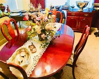 Stunning Bernhardt Dining Room Table w/ 6 Chairs ~ 2 Leaves & Table Protectors