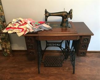 Singer Treadel sewing machine, quilting bits