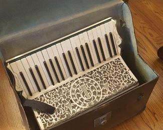 Shkorka accordion