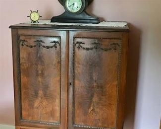 Tall Chest w/drawers