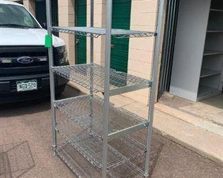 Metro rack with adjustable shelves