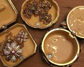 Joan Rivers Jewelry boxes with matching jewelry