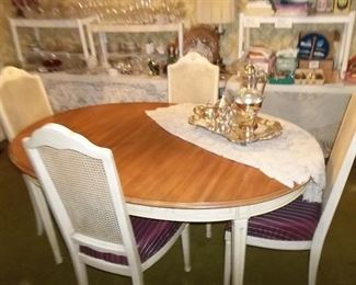 dining table, 6 chairs, pads,leaves,  excellent condition!