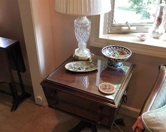 Pair of end tables, pair of crystal lamps
