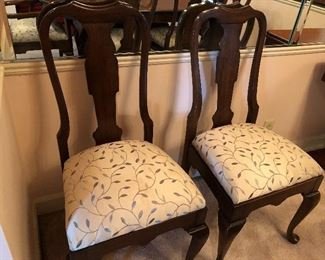 Pattern on chairs