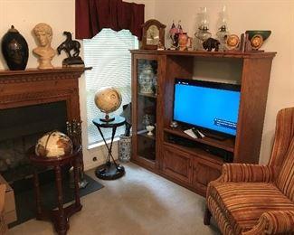 Several flat screen tv's - Globes, Oil lamps, etc