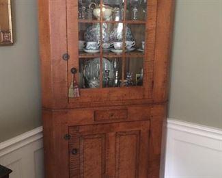 David T Smith Ohio. Custom made Historical Replica Tiger Maple Cupboard