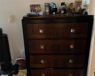 5 drawers brand new