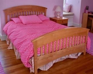 Maple full bed