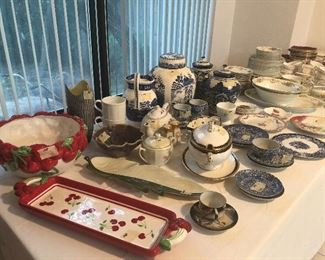 nice assortment of mostly signed collectibles- Germany- Italy Japan usa- lots of England !! Spode - and more