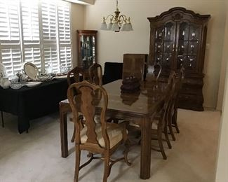 Drexel Heritage Dining Table & Chairs, China Hutch