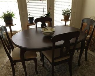 Oval Dining table & chairs - made in Canada