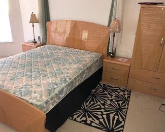 Queen bedroom suite  $450 all pieces