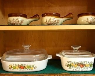 Pyrex casserole dishes