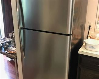 Frigidaire Gallery 20.4 cc refrigerator.