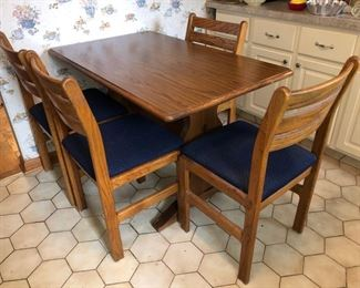 Small wood kitchen table and 4 chairs