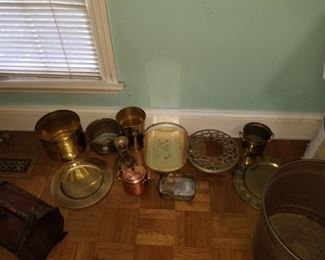 Vintage brass and copper pieces