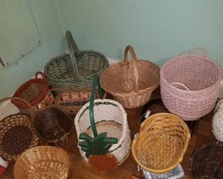 Various wicker baskets