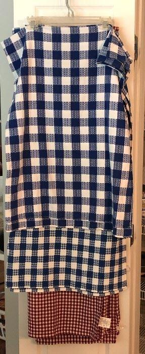 casual tablecloths