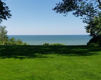 Beautiful Lakeview... No charges!