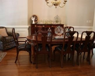 Councill Dining Table & Chairs
