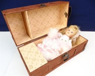 Decorative Porcelain Doll Accessories in Wooden Case