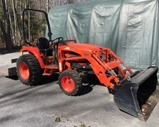 Kioti Tractor ck30. all the bells and whistles, front end loader, snowblower, snow plow, brush hog, grater and a rear platform