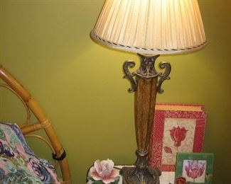 Side table with lamp (one of a pair), vintage Capodimonte roses